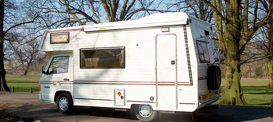 image of motorhome in the countryside